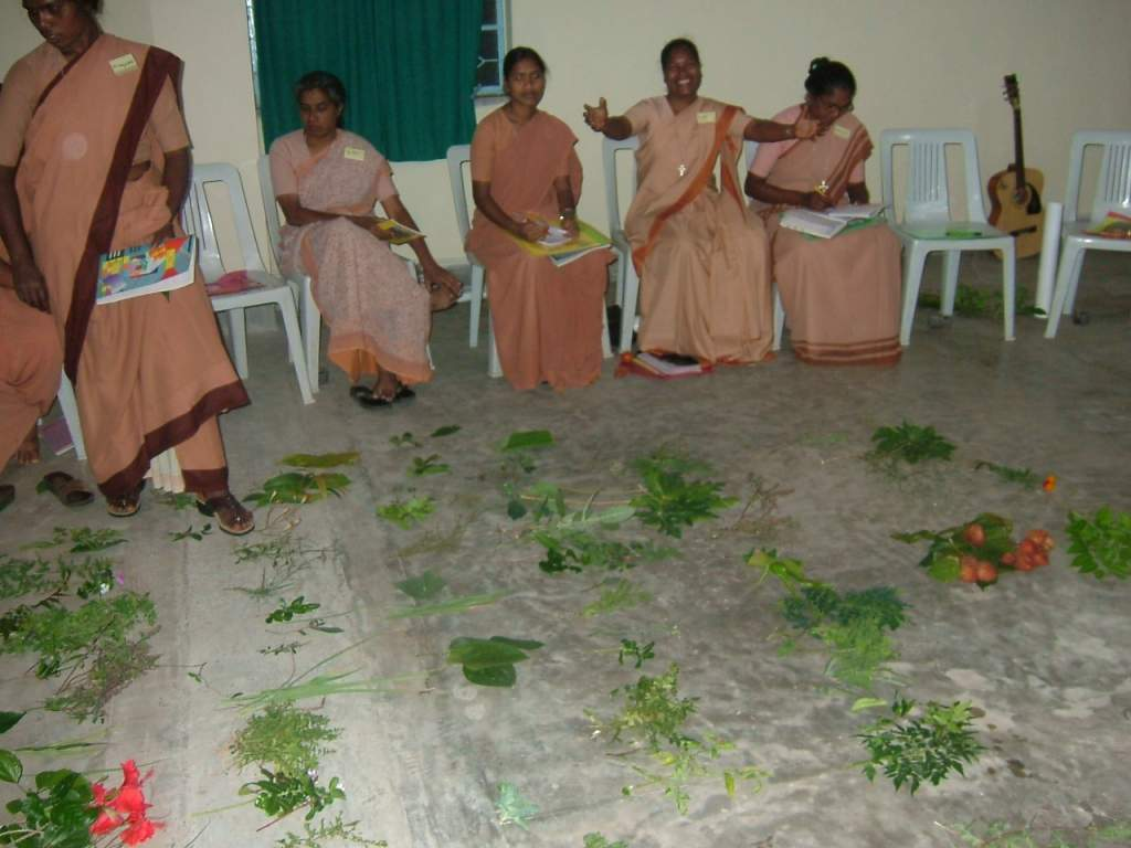 3. participants bring their own plants and share experience.JPG